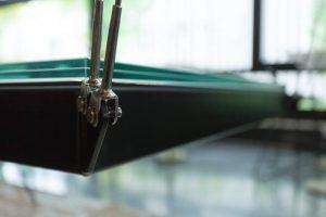 Les Câbles sur la ceinture Métallique